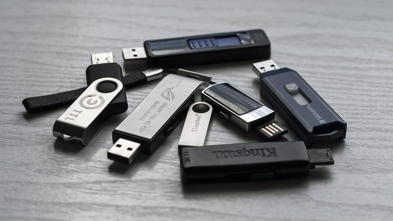 Celebrating 20 years of technology – the ubiquitous USB flash drive
